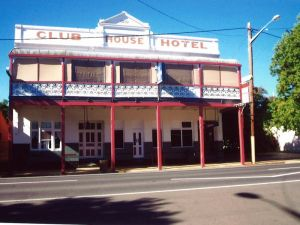 Club House Hotel - Tourism Cairns