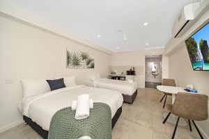 Carlton Suites - Tourism Cairns